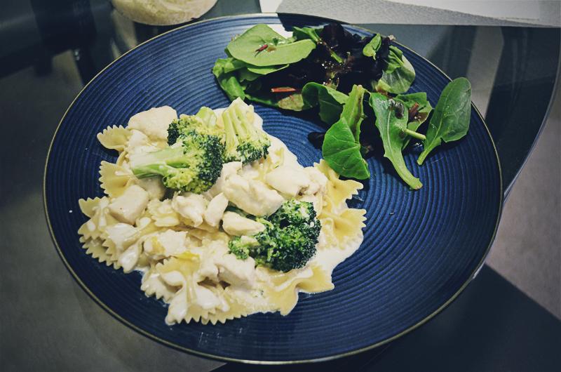 Pasta with Chicken, Broccoli in Lemon Sauce - Serve