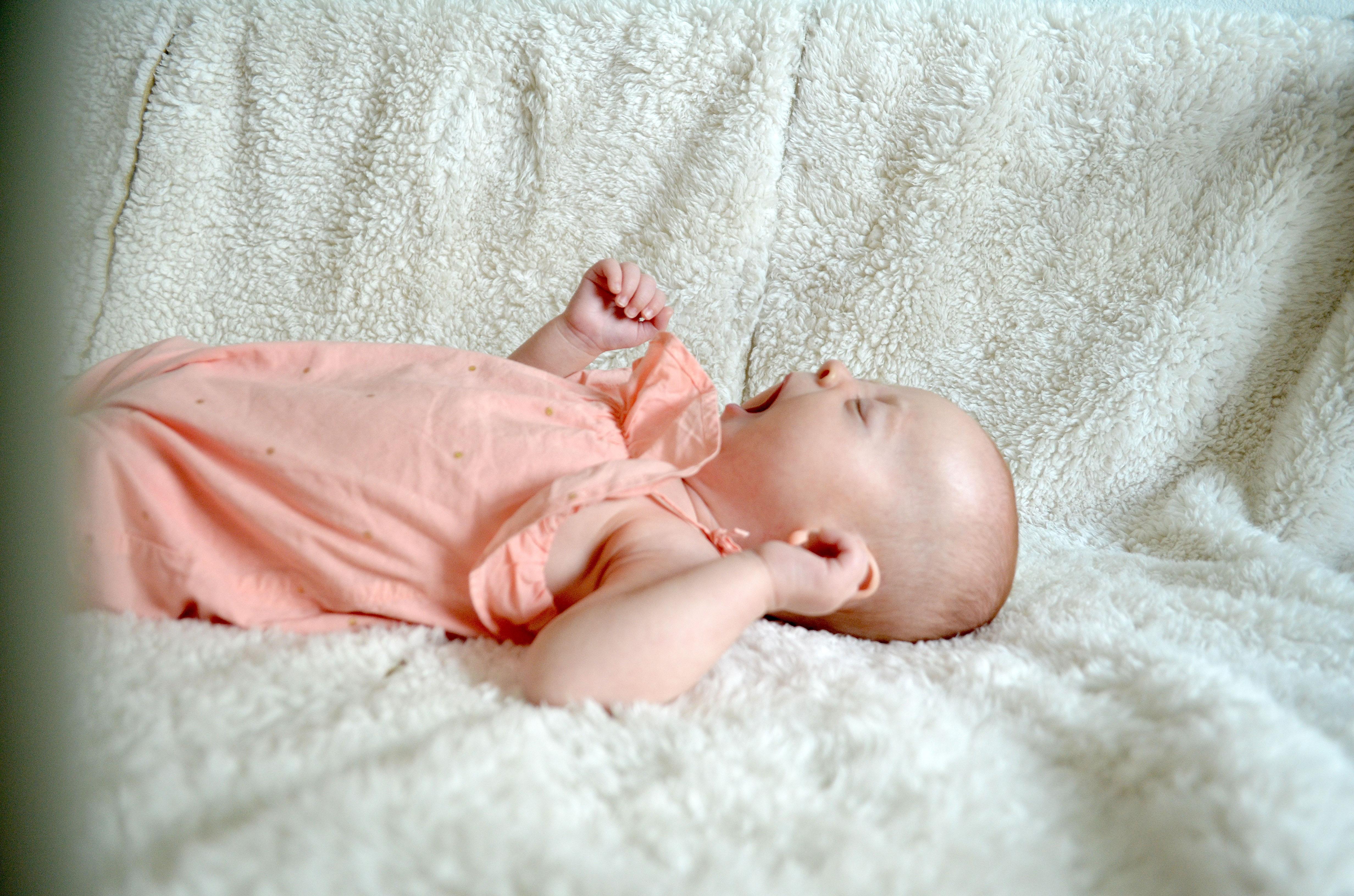 When To Start Putting Baby To Bed Awake