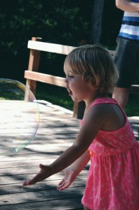 Chasing giant bubbles